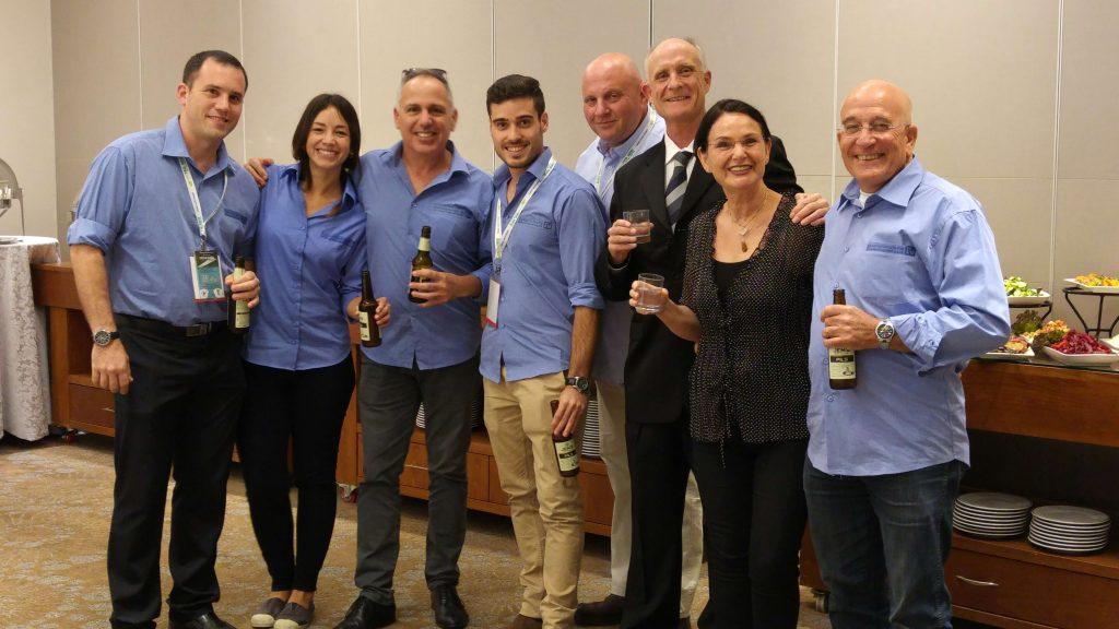 צוות העופות של ש.ח מימן- עדי,שרה,פיטר,נפתלי,גל,רני,מורן ויאיר