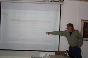 גבי לייטנר מציג את עבודתו בנושא הזינפרו